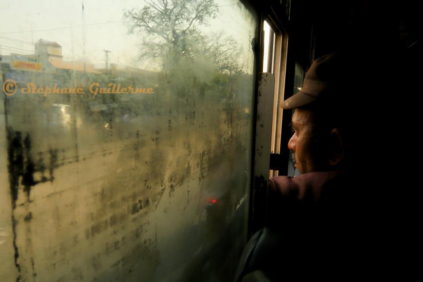 IMG_0624 Profil dans le bus Small.jpg