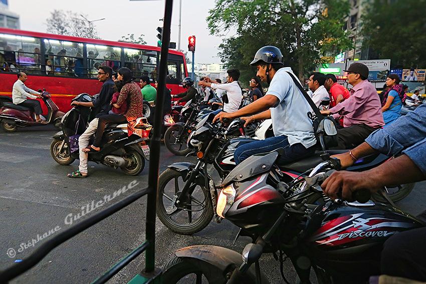 IMG_0675 Feu rouge Ahmedabad Small.jpg