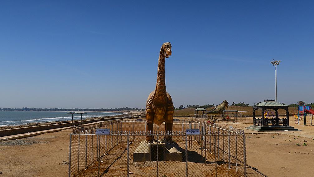 IMG_1135 Jurassic park Vers Nagoa beach Diu Small.jpg