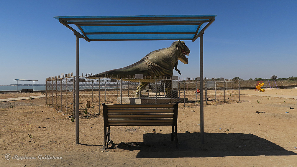 IMG_1138 Jurassic park Vers Nagoa beach Diu Small.jpg