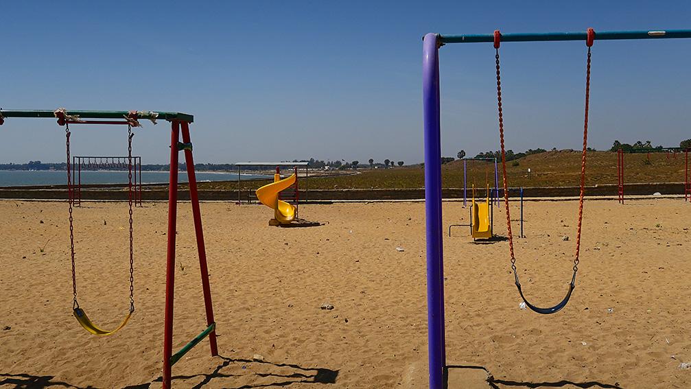 IMG_1141 Jurassic park Vers Nagoa beach Diu Small.jpg