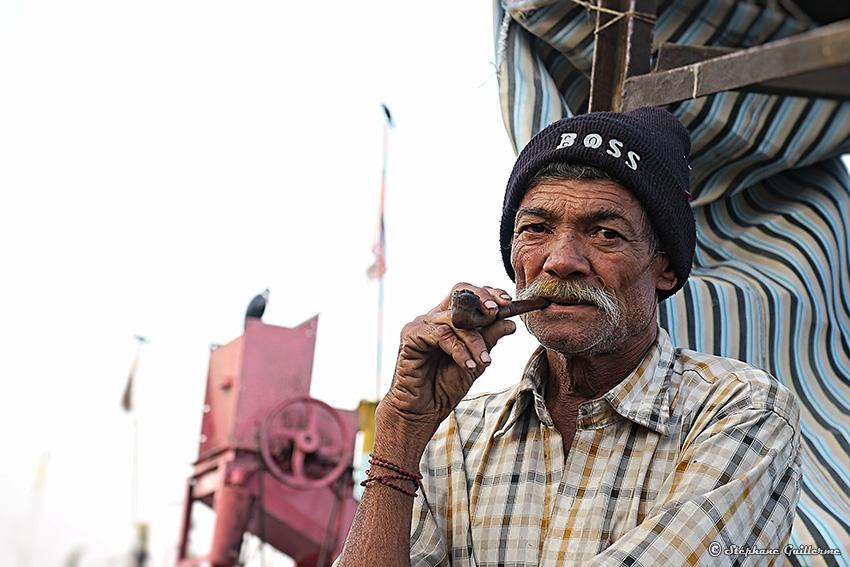 IMG_1712 Fumeur de pipe Vanakbara Small.jpg