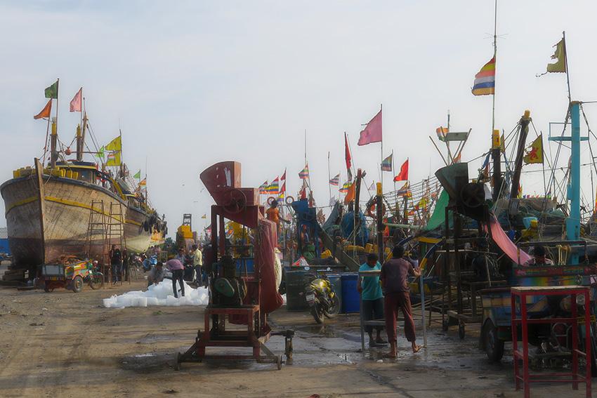 IMG_0983 Port Vanakbara Diu Small.jpg