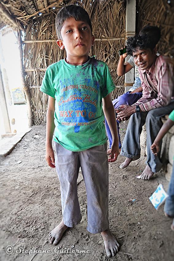 IMG_4950 Enfant koli Simbor Diu territory Small.jpg
