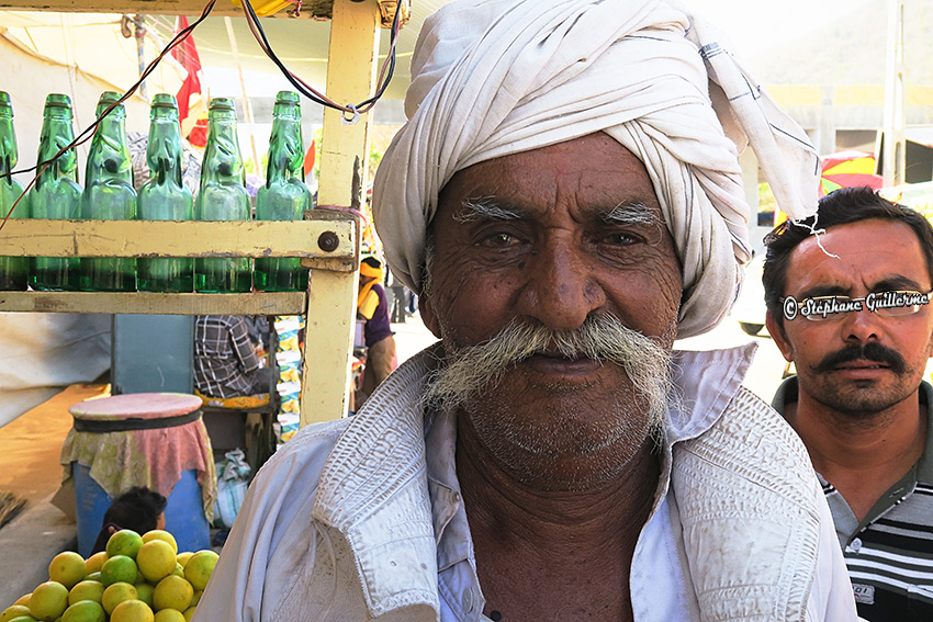 IMG_2059 Homme Bhardwa Junagadh Small.jpg