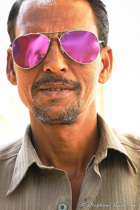IMG_2132 Portrait lunettes violet Small.jpg