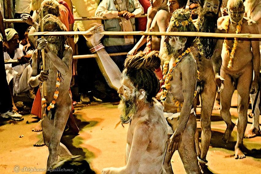 IMG_3187 Saddhus Shiva ratri Junagadh Small.jpg