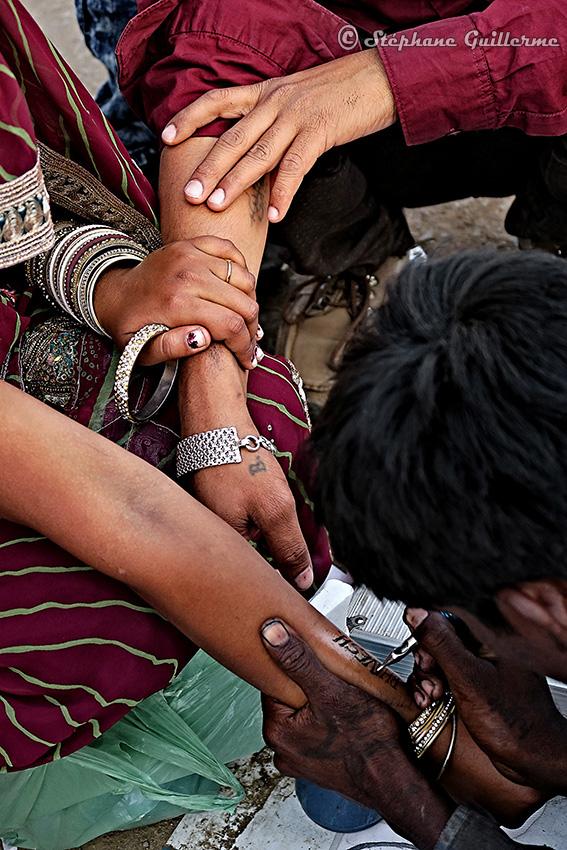 IMG_3026 Tattoo nouveaux mariés Shiva ratri Junagadh Small.jpg