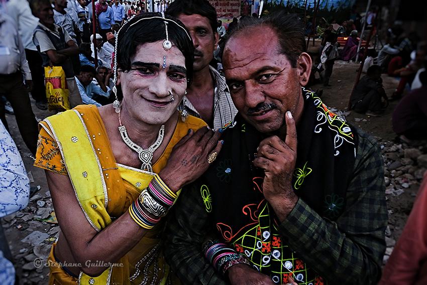IMG_3107 Hijra danseuse Shiva ratri Junagadh Small.jpg
