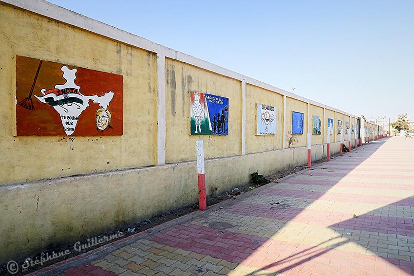 IMG_3739 Peintures murales scolaires Gandhi Porbandar Small.jpg