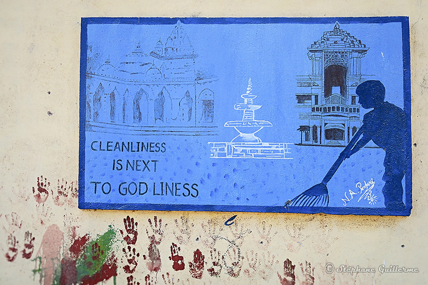 IMG_3741 Peintures murales scolaires Gandhi Porbandar Small.jpg
