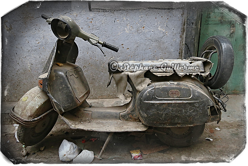 IMG_9244 Scooter Bajaj Pahar ganj Delhi Small.jpg