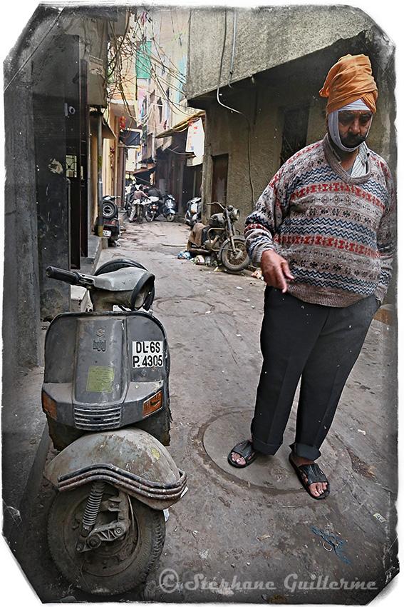 IMG_9246 Scooter Bajaj Pahar ganj Delhi Small.jpg
