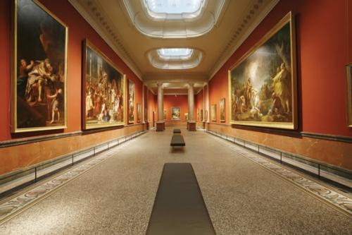la salle aux 2 colonnes.jpg