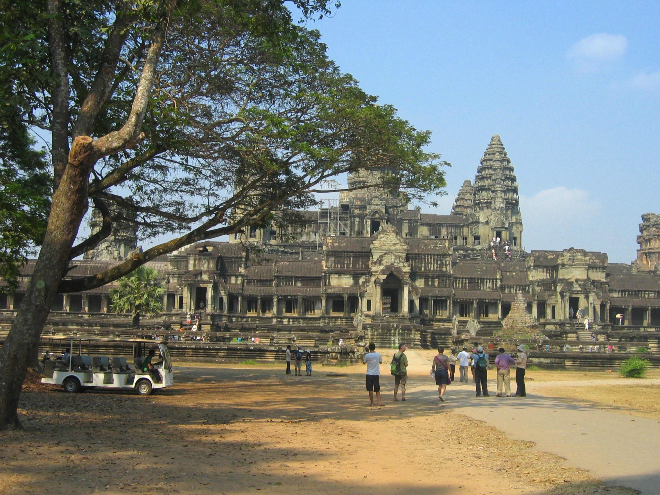 https://static.blog4ever.com/2012/11/719673/autre-vue-ge--ne--rale-avec-touristes.JPG