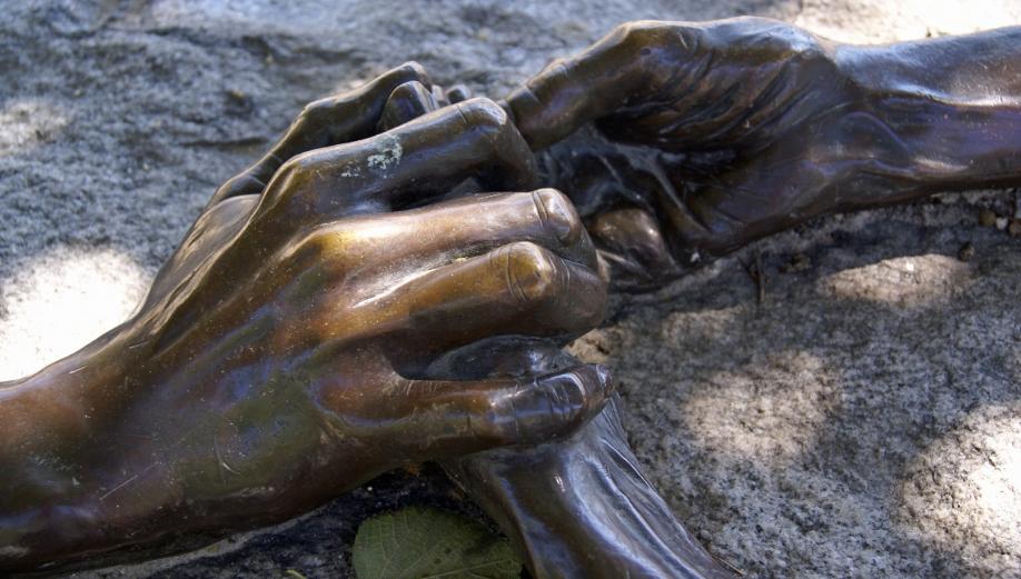 Les mains.jpg