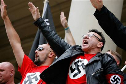 neonazis.jpg