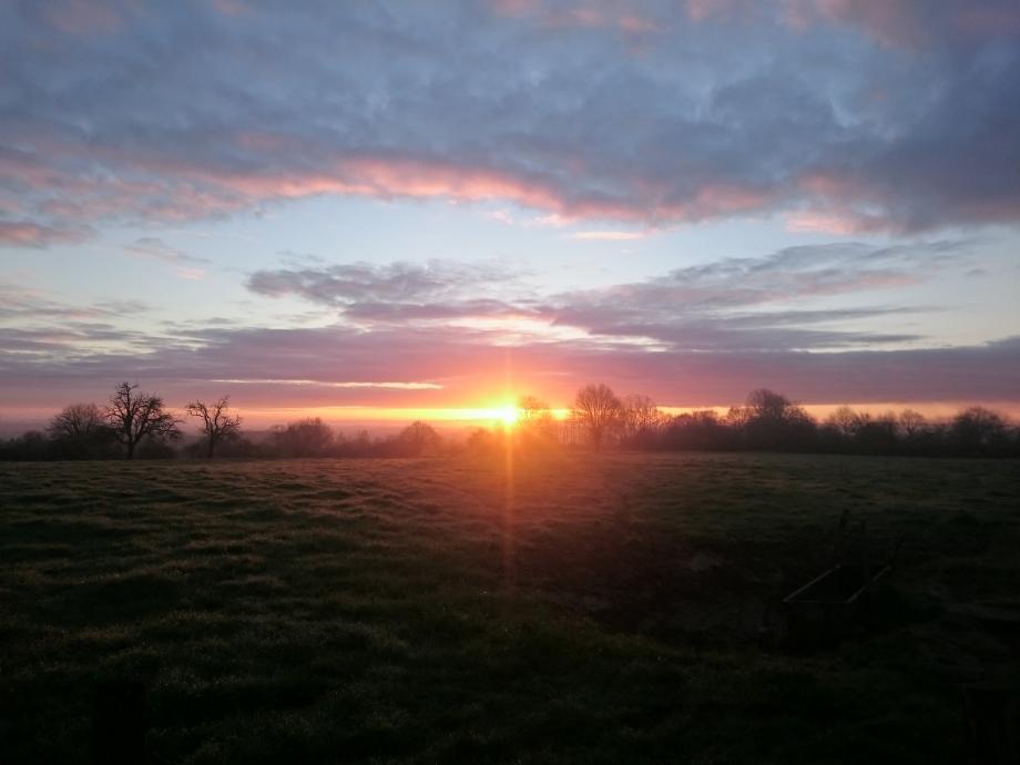 Le beau soleil suzerain du matin