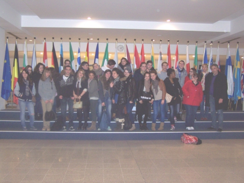 photo de groupe au Parlement de Bruxelles.jpg