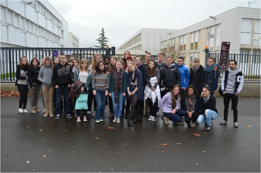 https://www.blog4ever-fichiers.com/2013/01/725267/photo-groupe-meeting-challans.jpg