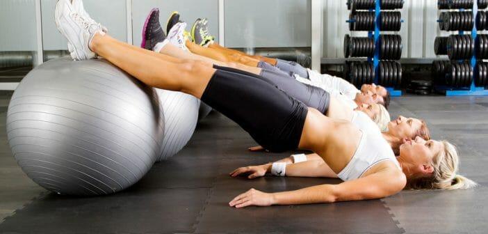 comment-maigrir-du-ventre-avec-un-ballon-de-gym-702x336.jpg
