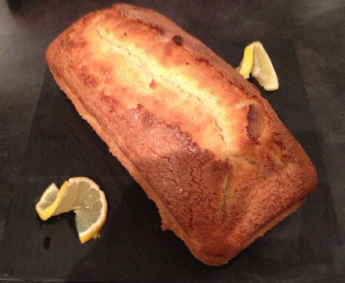Cake au vin blanc et zestes de citron