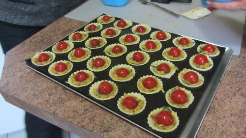 2013-09-14 tartelettes courgette tomates (2).JPG