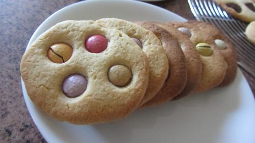 2013-12-01 cookies smaties et choco noir (13).JPG