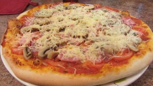 2014-01-10 1ère pizza nouveau four (1).JPG