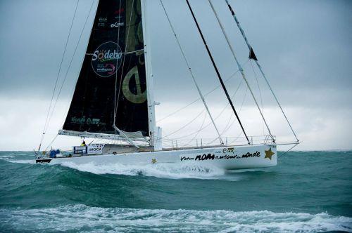 Bertrand  de Broc le skipper de Votre nom autour du monde avec EDM projets boucle son tour du monde au bout de 92j 17h 10min 14s pénalité incluse
