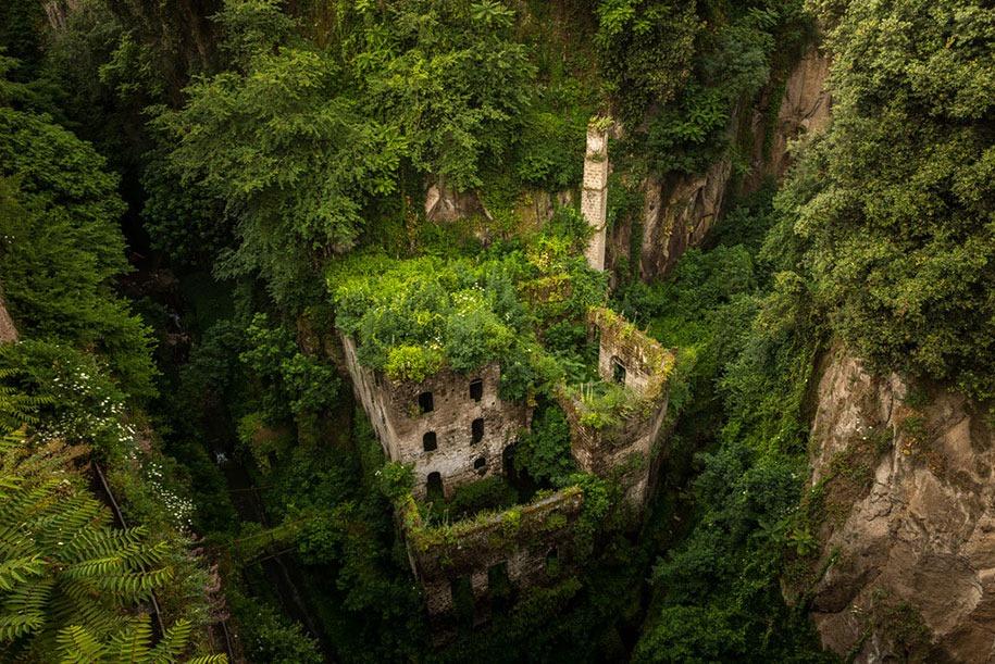 Moulins abandonnés à Sorrente.jpg