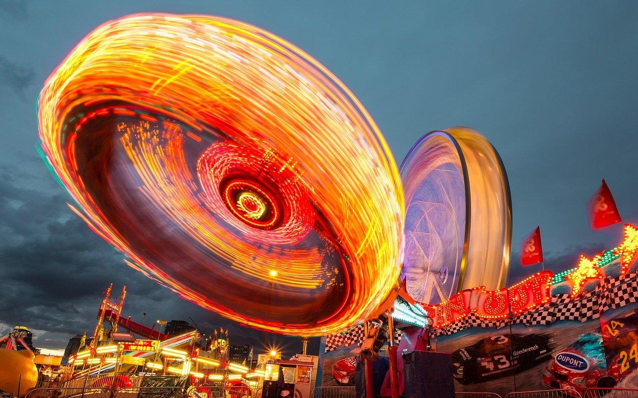 fairground-1149626_1280.jpg