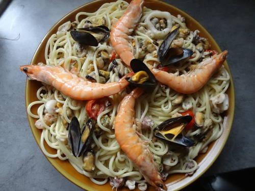 Spaguetis à l'ail et fruits de mer (3).JPG