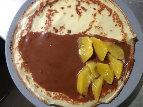 Crèpe suzette fourrée ganache chocolat et suprème d'orange (2).JPG