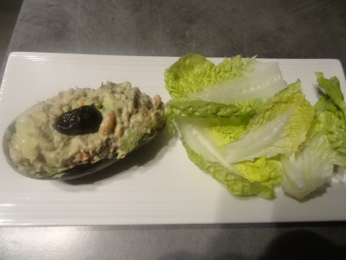 Avocat au thon et crevettes (2).JPG