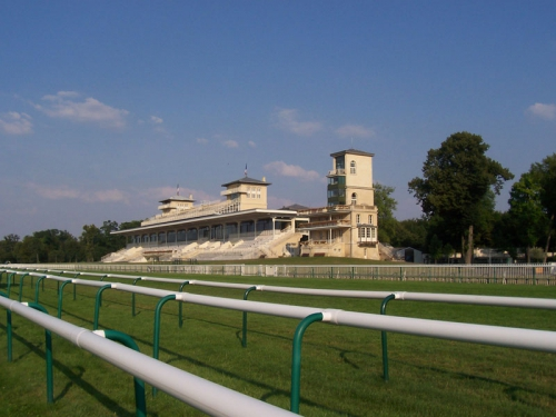 hippodrome de chantilly.jpg