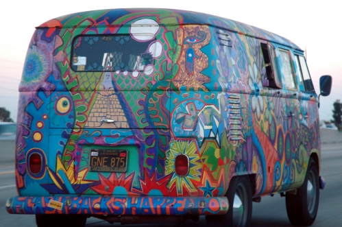 VW_Bus_T1_in_Hippie_Colors_2_retouched.jpg