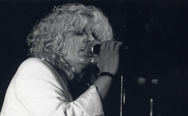 Linda Keel en concert 2.jpg