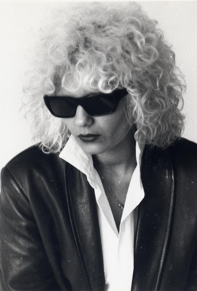 Linda keel lunettes noires pour une nuit blanche.jpg