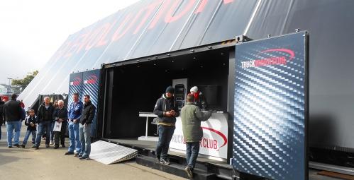 Container_Open_Side_lors_des_24h_camions_avec_l_agence_Yves_Hunt_pour_Renault_Trucks_et_ses_partenaires_2.jpg