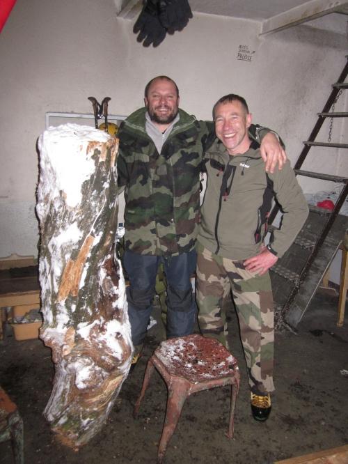 Refuge Wallon - Après un bûcheronnage de cinglé préparation du bivouac et du feu ! 18-01-2014.JPG
