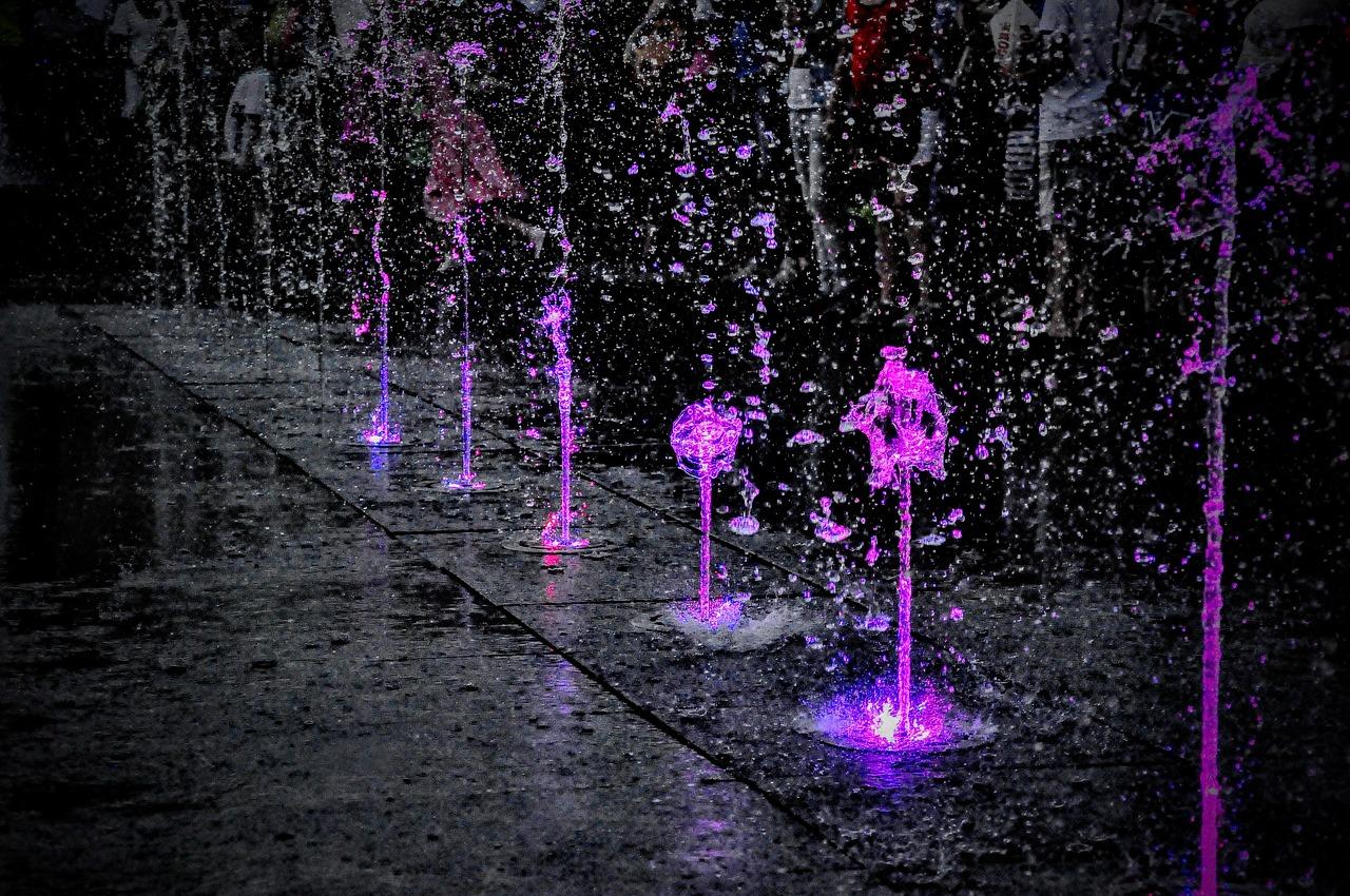 fountain-2379677_1280.jpg