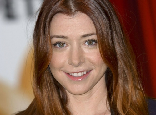 Alyson-Hannigan-enceinte-de-son-second-enfant_portrait_w674.jpg