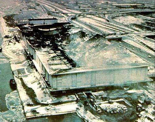 yvesduc-B75-immeuble-incendie-hangar-mccormick.jpg