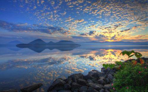 Japon - Hokkaido - Lac Toya lever de soleil.jpg