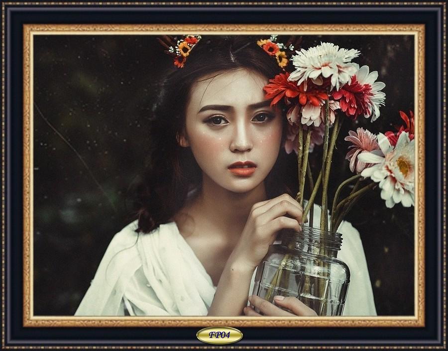 2017-06-26 - Asian-girl-and-flowersA.jpg