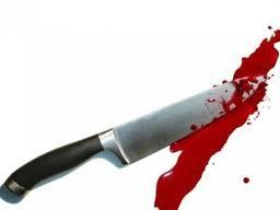 couteau avec sang.jpg