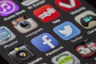 réseaux sociaux.jpg
