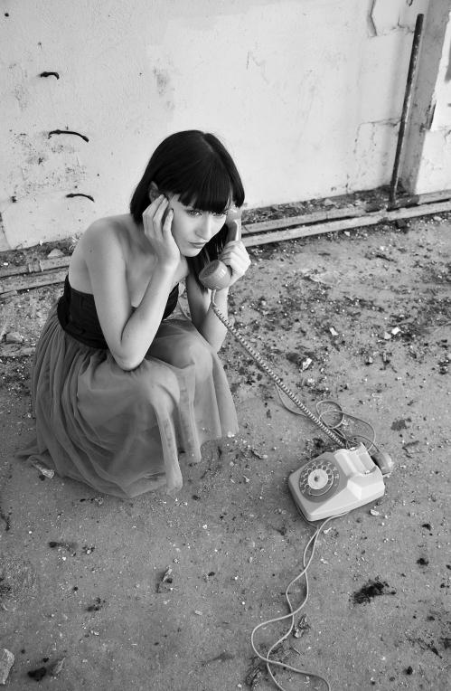 4 RETAILLEAU DOMINIQUE - AU TELEPHONE .jpg