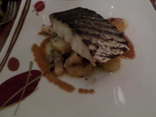 Maigre grillé, Légumes sautés au foie gras